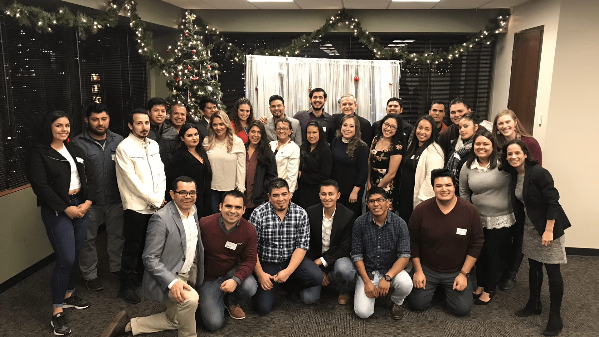 red de pastoral juvenil at christmas party
